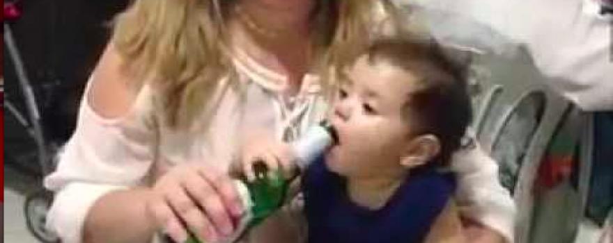 Men schreeuwt moord en brand als een tiener een joint rookt, maar we geven onze kinderen alcohol met de glimlach…